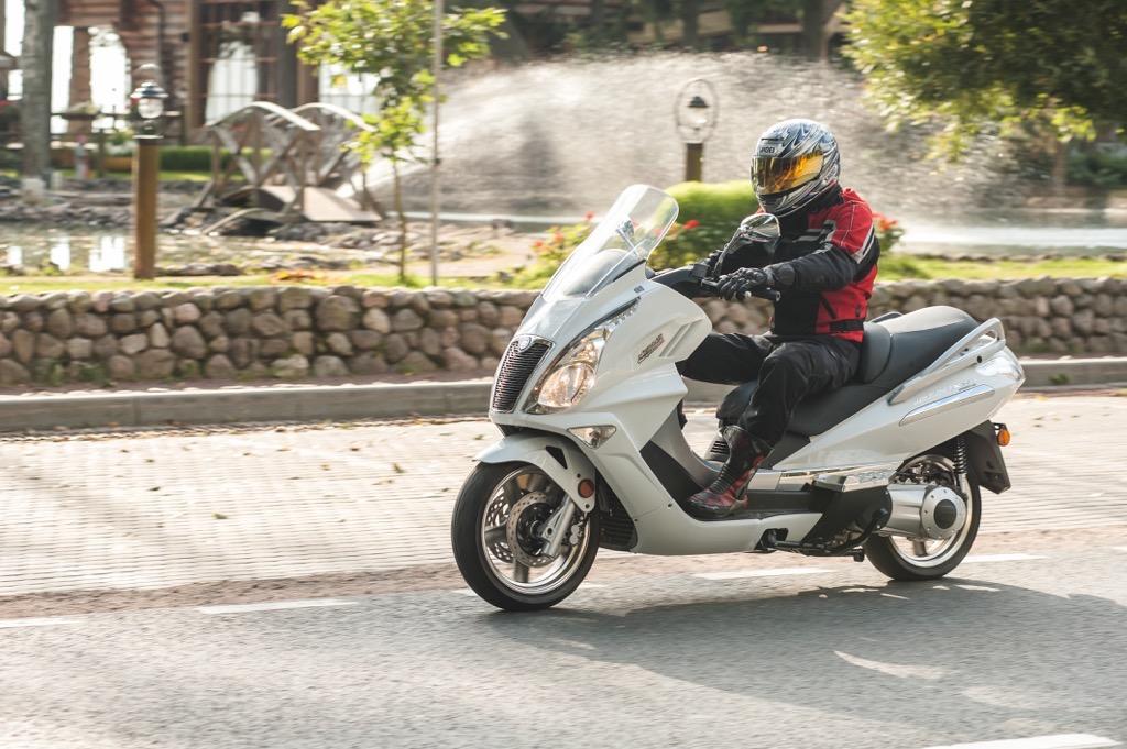 Обзор скутера CFMOTO 250 JETMAX