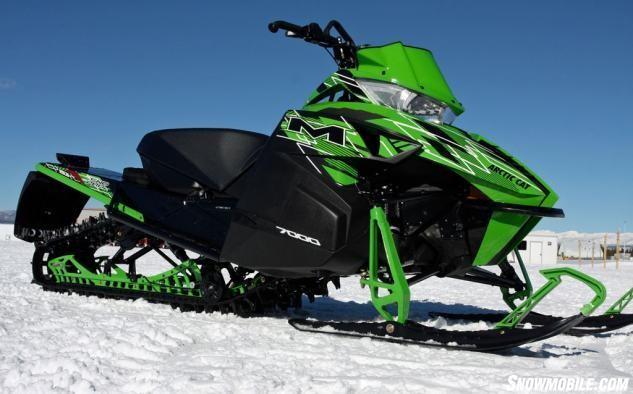 2015-Arctic-Cat-M7000-Sno-Pro-Profile