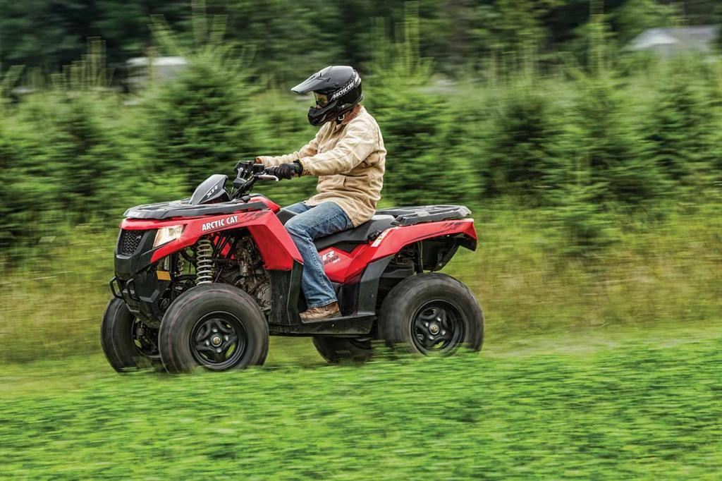 2015-Arctic-Cat-XR-500-Action-02