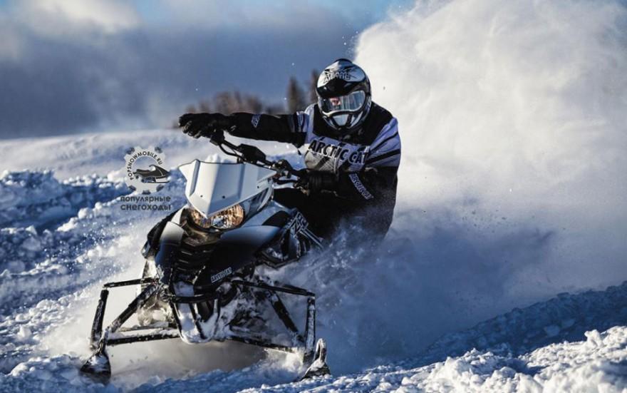 Фото-снегохода-Arctic-Cat-ZR-9000-Limited-2014-980x614
