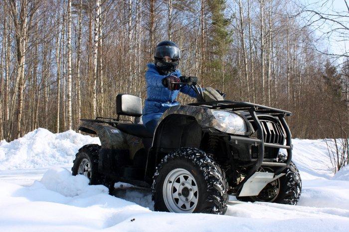 Управление снегоходом квадроциклом