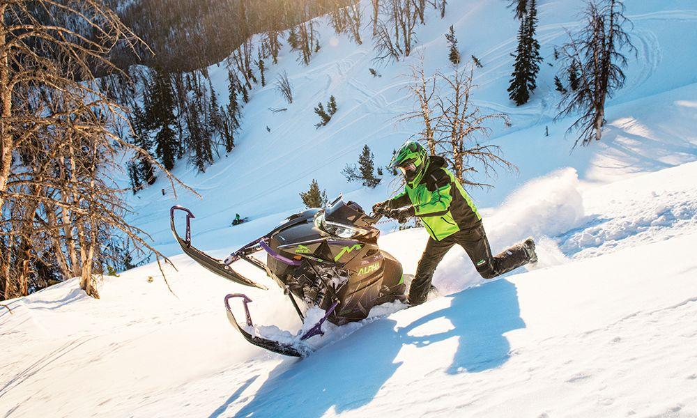 Двухтактные снегоходы – особенности, плюсы и минусы