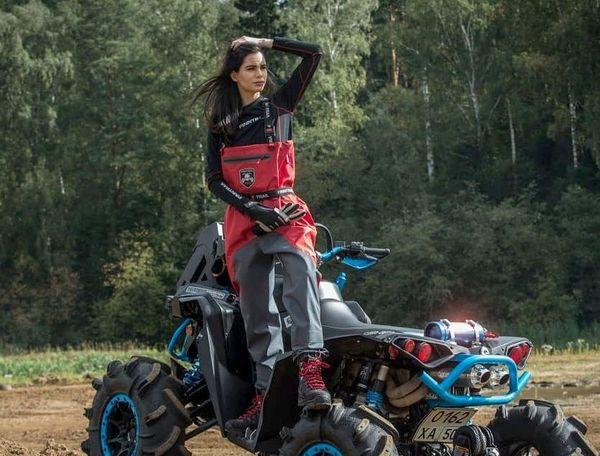 Выбор женской защитной экипировки для квадроцикла